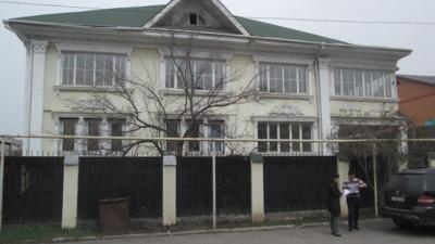 Алматы, р-н Ауэзов, мкр. Мамыр-4, д. 4