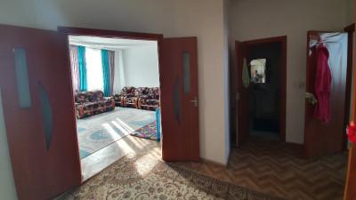 Шымкент, р-н Аль-Фараби, ул.Рыскулова, д.19, кв.8
