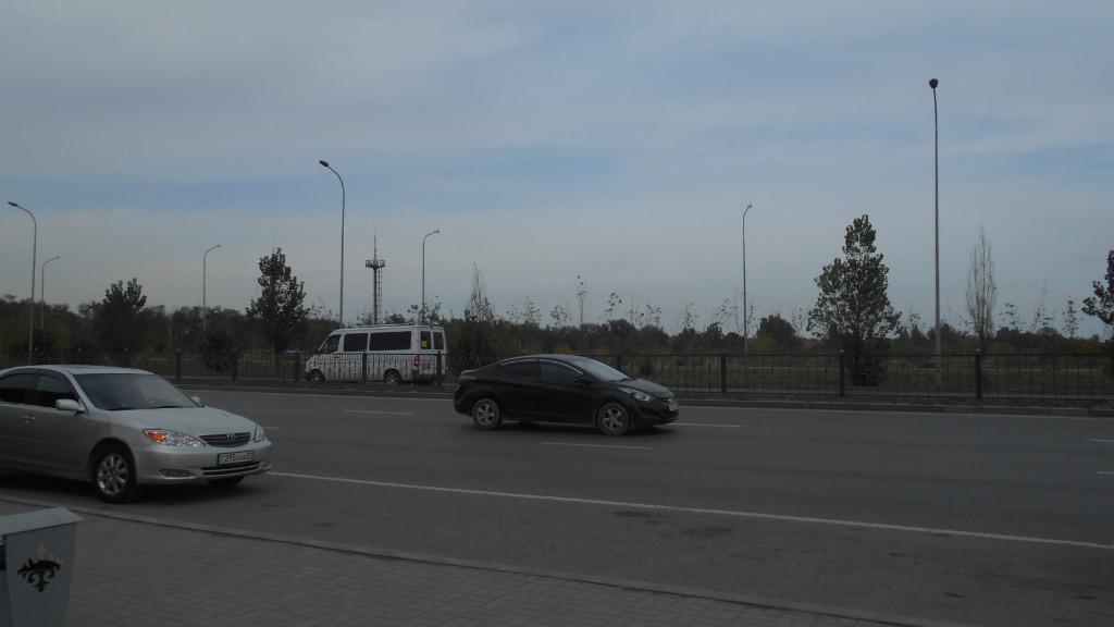 Алматы, р-н Алатау, Севернее пр. Райымбека, восточнее дороги ТЭЦ-2