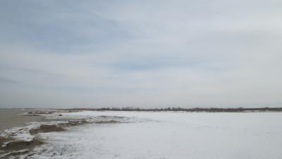 Алматинская обл, Капчагай, между с. Маловодное и с. Чилик, 10 км от Кульджинского тракта в сторону Капшагайского водохранилища (рядом с п. Толкын, 110 км от Алматы)
