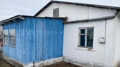 Алматинская обл, р-н Жамбыл, село Б. Кыдырбекулы, улица Рыскулова, дом 21
