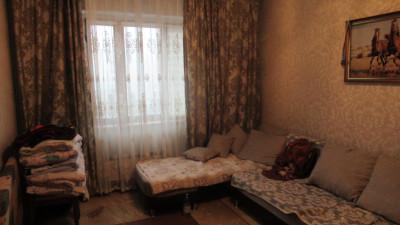 Алматы, р-н Ауэзов, микрорайон Таугуль - 1, дом 50