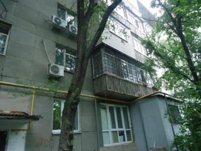 Алматы, р-н Алмалы, ул. Курмангазы, д. 164, кв. 10